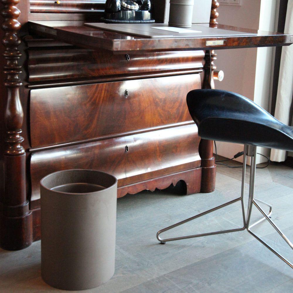 paper-basket-in-office