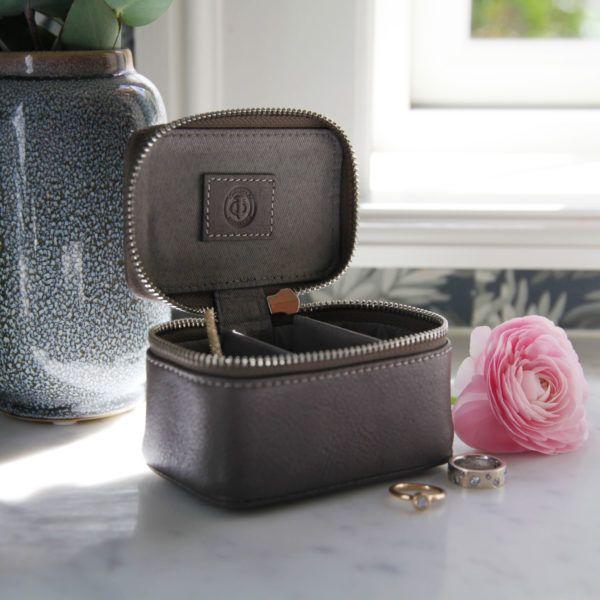 medium-jewellery-box