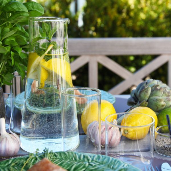 glass-carafe-on-table