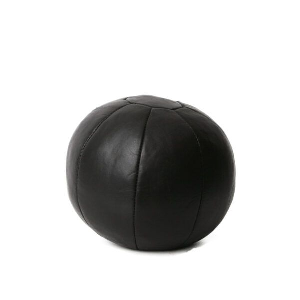 large-round-medicine-ball-in-leather-black